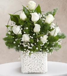9 beyaz gül vazosu  Kastamonu çiçek satışı