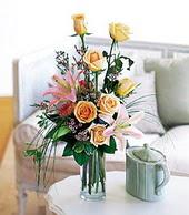 Kastamonu çiçek , çiçekçi , çiçekçilik  cam yada mika vazo içerisinde gül kazablanka