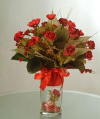 yapay güllerden vazo  9 gül  Kastamonu uluslararası çiçek gönderme