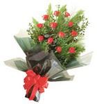 12 adet kirmizi gül buketi   Kastamonu çiçekçi mağazası