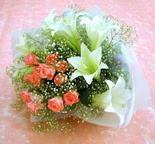 Kastamonu çiçek yolla  lilyum ve 7 adet gül buket