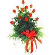 12 adet kirmizi gülden buket   Kastamonu çiçek yolla