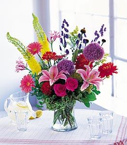 Kastamonu cicekciler , cicek siparisi  karisik mevsimsel çiçeklerden hos bir vazo tanzimi