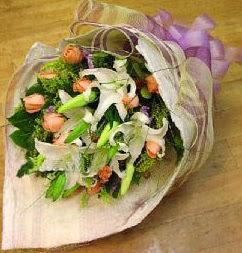 Kastamonu internetten çiçek satışı  11 ADET GÜL VE 1 ADET KAZABLANKA