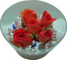 Kastamonu 14 şubat sevgililer günü çiçek  5 adet gül ve cam tanzimde çiçekler