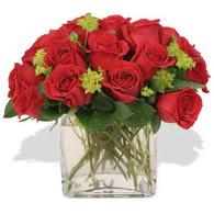Kastamonu çiçekçi telefonları  10 adet kirmizi gül ve cam yada mika vazo