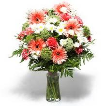 Kastamonu çiçekçiler  cam yada mika vazo içerisinde karisik demet çiçegi
