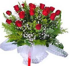 Kastamonu çiçek satışı  12 adet kirmizi gül buketi esssiz görsellik