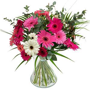 15 adet gerbera ve vazo çiçek tanzimi  Kastamonu online çiçek gönderme sipariş
