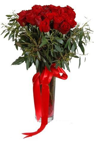 15 adet kirmizi gül cam vazo içerisinde  Kastamonu internetten çiçek satışı