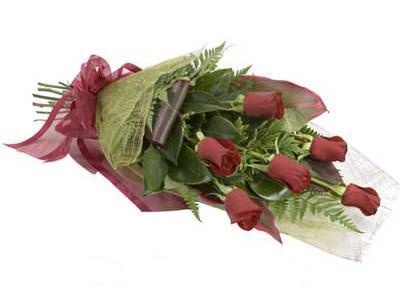 ucuz çiçek siparisi 6 adet kirmizi gül buket  Kastamonu çiçek siparişi sitesi