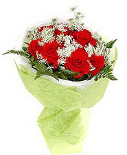 Kastamonu çiçek , çiçekçi , çiçekçilik  7 adet kirmizi gül buketi tanzimi