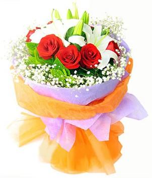 Kastamonu çiçek gönderme sitemiz güvenlidir  1 dal kazablanka 7 adet kırmızı gül buketi