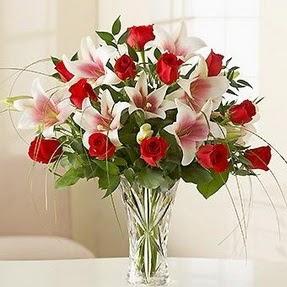 Kastamonu çiçek mağazası , çiçekçi adresleri  12 adet kırmızı gül 1 dal kazablanka çiçeği