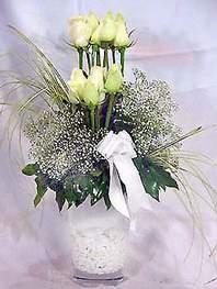 Kastamonu online çiçek gönderme sipariş  9 adet vazoda beyaz gül - sevdiklerinize çiçek seçimi
