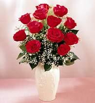 Kastamonu çiçekçi mağazası  9 adet vazoda özel tanzim kirmizi gül