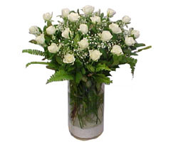 Kastamonu yurtiçi ve yurtdışı çiçek siparişi  cam yada mika Vazoda 12 adet beyaz gül - sevenler için ideal seçim