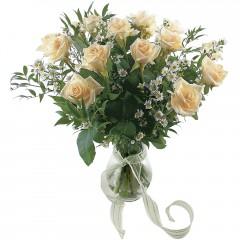 Vazoda 8 adet beyaz gül  Kastamonu 14 şubat sevgililer günü çiçek