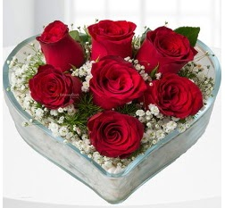 Kalp içerisinde 7 adet kırmızı gül  Kastamonu çiçek servisi , çiçekçi adresleri