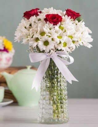Papatya Ve Güllerin Uyumu camda  Kastamonu çiçek gönderme sitemiz güvenlidir
