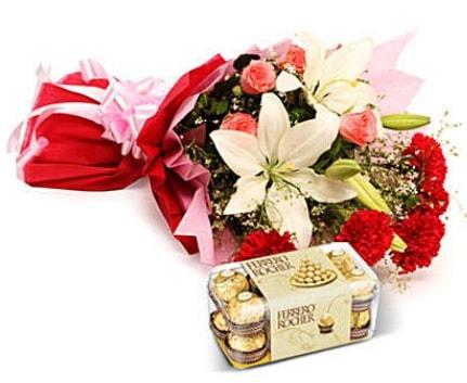 Karışık buket ve kutu çikolata  Kastamonu çiçek , çiçekçi , çiçekçilik