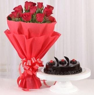 10 Adet kırmızı gül ve 4 kişilik yaş pasta  Kastamonu internetten çiçek satışı