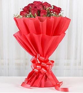 12 adet kırmızı gül buketi  Kastamonu hediye çiçek yolla