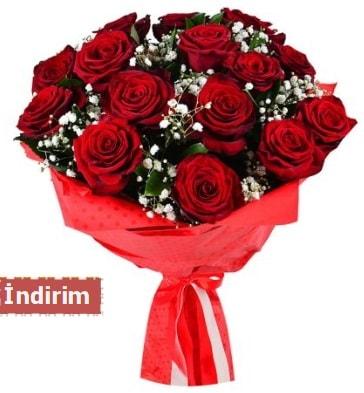 12 Adet kırmızı aşk gülleri  Kastamonu çiçek satışı