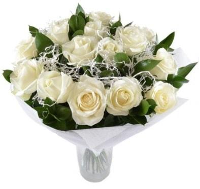 15 beyaz gül buketi sade aşk  Kastamonu çiçek satışı